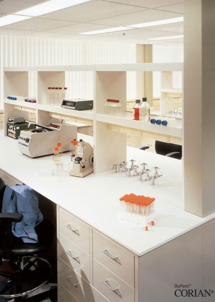 Corian Laboratuvar Tezgahları