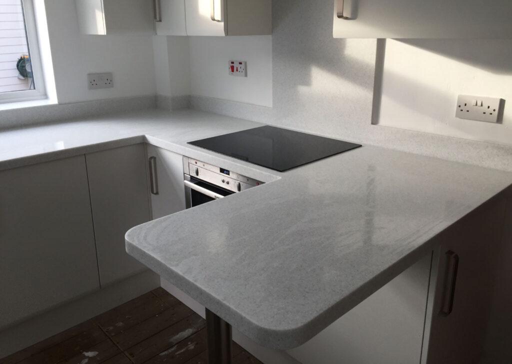 Gri mutfak tezgahı - Mutfak masası
